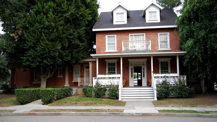 "Toby and Jenna's house in ""Pretty Little Liars"" at Warner Bros. Tour"